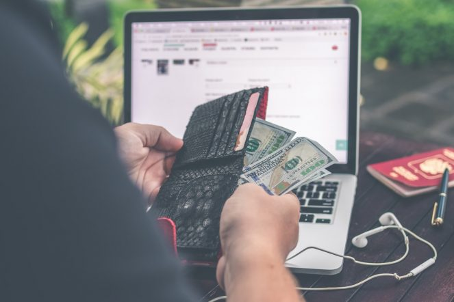 Making Money On The Internet - This Is How You Can Earn $300 a Day Easily